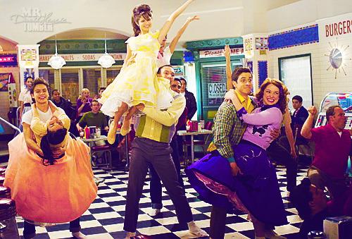 Magicienii din Waverly Place Tumblr_lu1k4nJSug1qh9icuo1_500