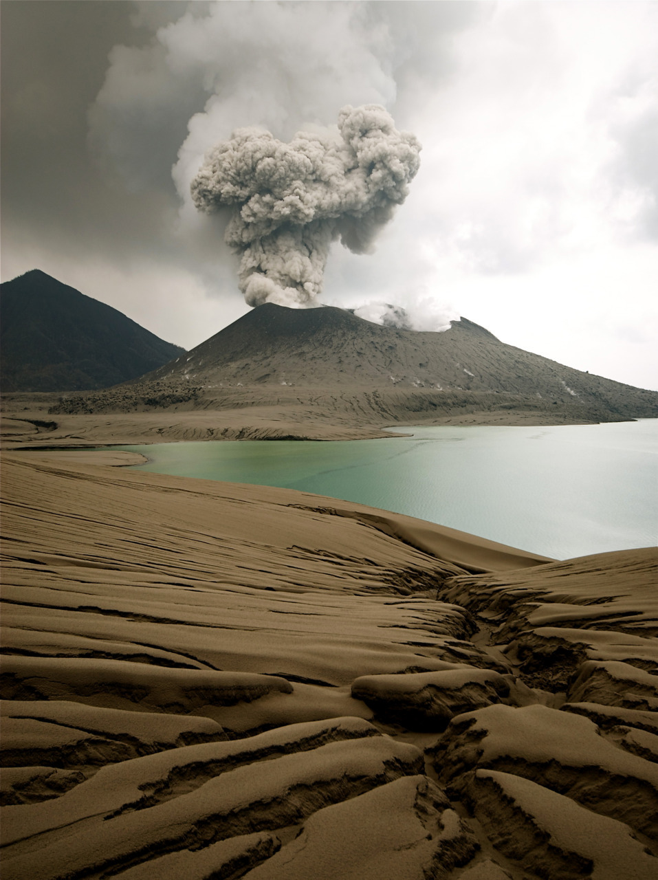 Vulkani - Page 2 Tumblr_luhphvPZJY1ql9wl2o1_r1_1280