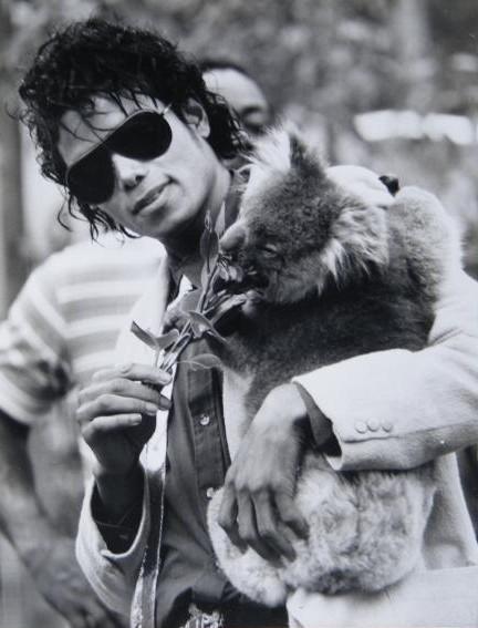 Raridades: Somente fotos RARAS de Michael Jackson. - Página 4 Tumblr_lvhfj9jFNV1r2j5t8o1_500