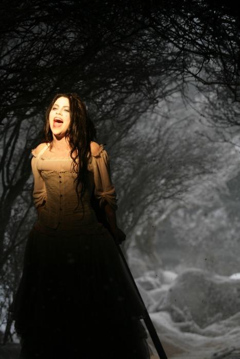 Evanescence - Page 2 Tumblr_lvsnzhQDUJ1r0nkbzo1_500