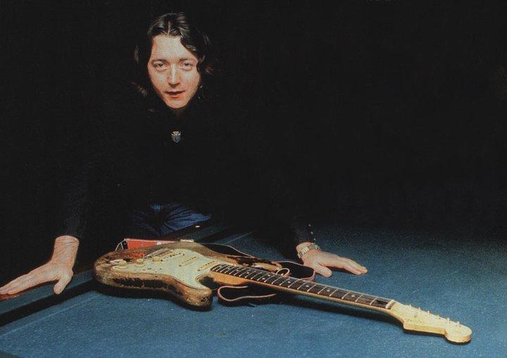 Fender Stratocaster 1961 - Page 8 Tumblr_lvy2e6rDsl1r51l4go1_1280