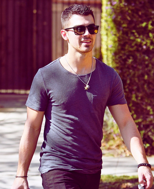 `Joe Jonas` - Page 40 Tumblr_lwsaj35iEn1r5sql3o1_500
