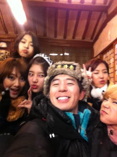 120105 Boom + Yewon's twitter Tumblr_lxf0mtWa6y1qddlq5o1_500