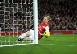 FC. Arsenal - Page 2 Tumblr_ly7sthEK4p1r2glejo2_250