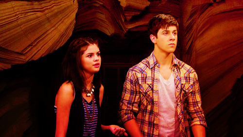 Magicienii din Waverly Place - Page 7 Tumblr_ly9zzcBK5p1r9jaxpo1_500