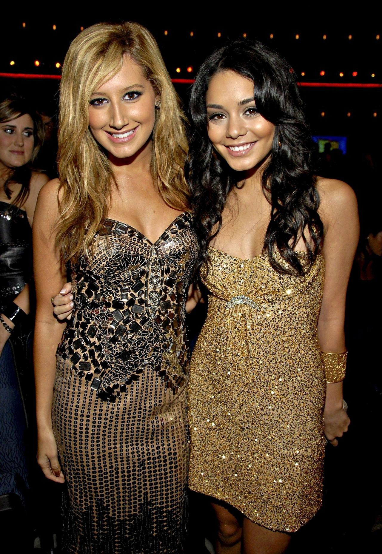 Ashley Tisdale and Vannesa Hudgens - Page 5 Tumblr_lz4y4t6Cfz1ro20qso1_1280