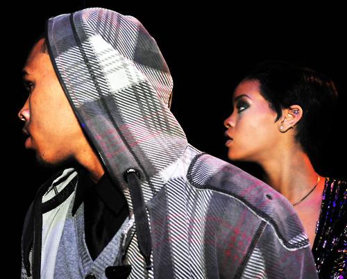 Chris Brown and Rihanna. - Page 2 Tumblr_m0aaq0YA4r1rqqcxko1_500