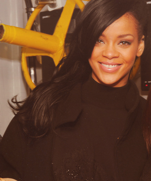 Rihanna. [2] - Page 5 Tumblr_m211ex4u061qgztuwo1_500