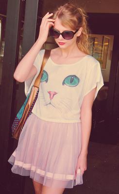 Taylor Swift - Page 37 Tumblr_m28n3lQA5w1qe0kcno2_r1_250