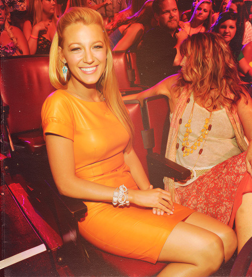 Blake Lively - Page 37 Tumblr_m450uo1Jh91r066hlo1_500