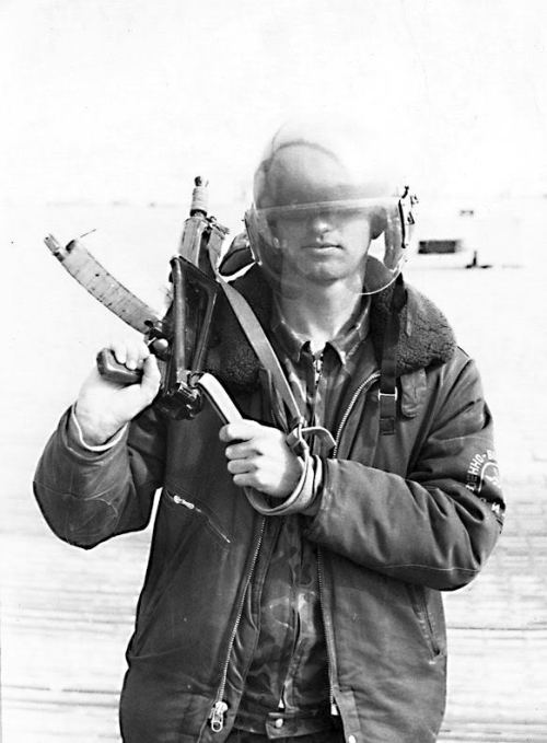 soldats soviétiques Tumblr_m4dqm5XToK1qbsnsoo1_500