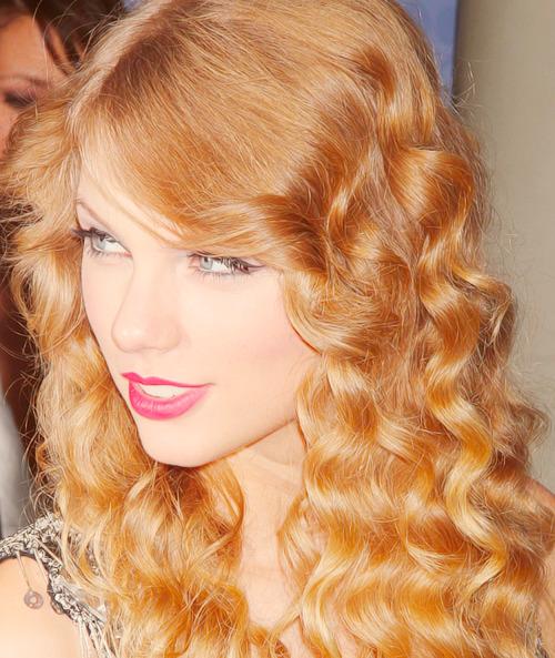 Taylor Swift - Page 38 Tumblr_m56zrxhpXx1qci1rgo1_500