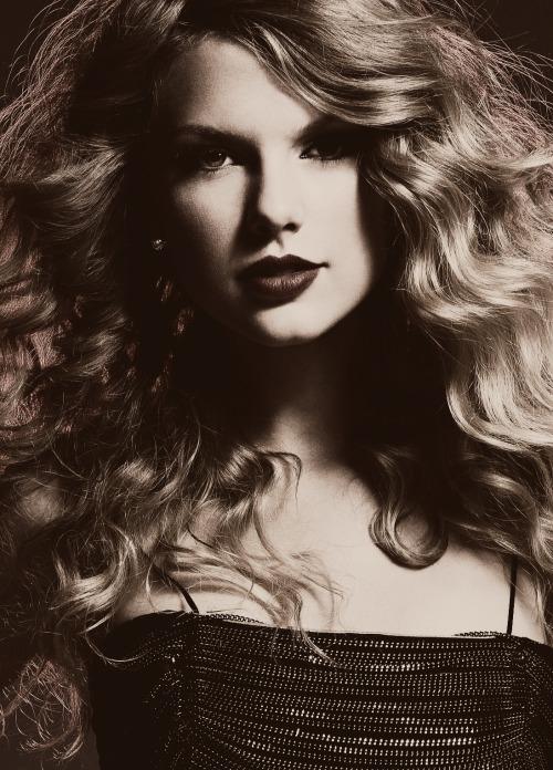 Taylor Swift - Page 38 Tumblr_m575jzYLxC1qd9w27o1_500