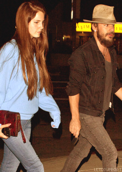 Lana Del Rey going to the Swinger restaurant with Shannon Leto Tumblr_m57iw9jpms1r2d3ybo1_250