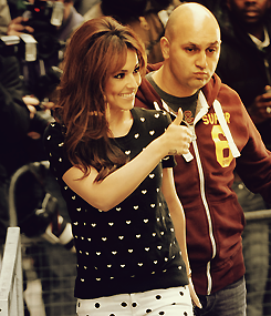 Cheryl Cole[2] - Page 5 Tumblr_m5inaaKJhX1r7myyso4_250