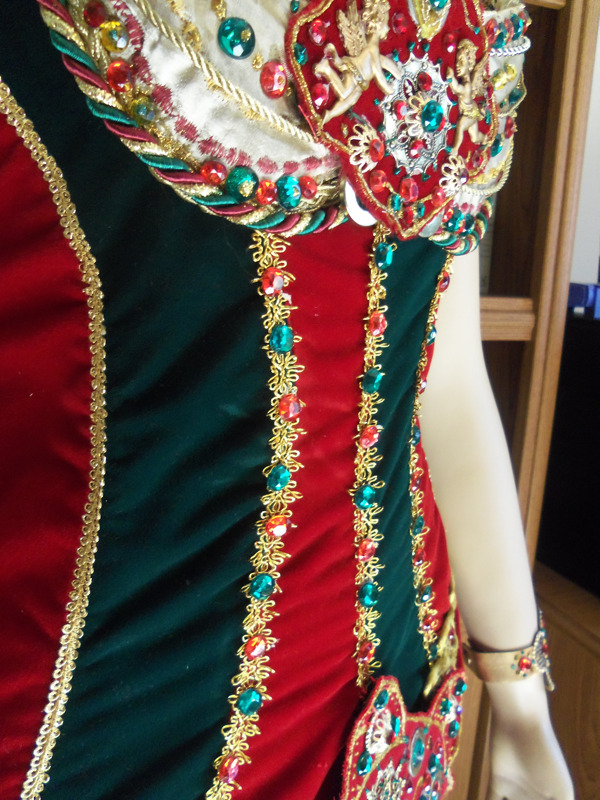 Phantom costumes - real and replicas - Page 4 Tumblr_m5mwqgJSSi1qa3f3ro4_1280