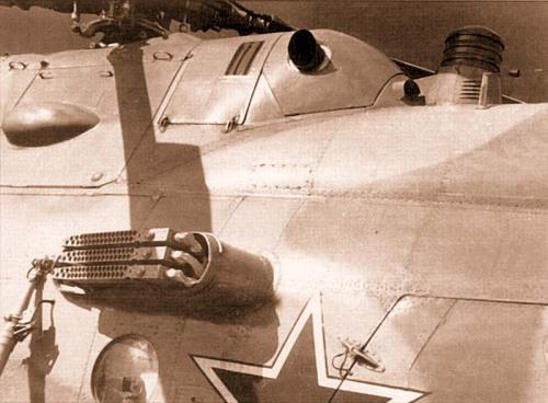 avions et hélicoptères soviétique Tumblr_m5rxx7Nqoj1qbsnsoo1_500