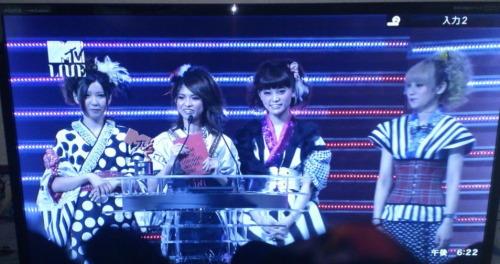 SCANDAL on MTV VMAJ 2012 Tumblr_m62ej6gCVs1r482jao1_500
