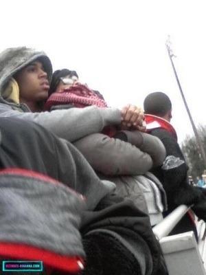 Chris Brown and Rihanna. - Page 2 Tumblr_m6a1jbM3zg1r71wm1o1_400