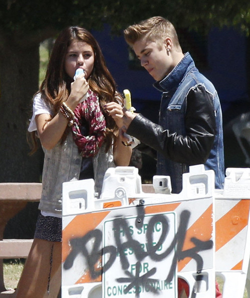Justin Bieber and Selena Gomez - Page 38 Tumblr_m6g8j4BDAb1qa6i1co1_500