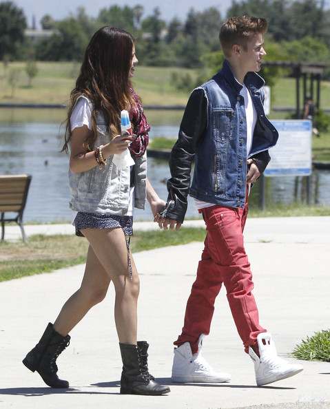 Justin Bieber and Selena Gomez - Page 38 Tumblr_m6g8k1XlUQ1qa6i1co1_500