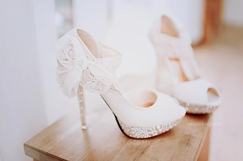 موديلات احذية 2014 رووعه استمتعوا بها Tumblr_m6llovGS9W1rwos5mo1_500