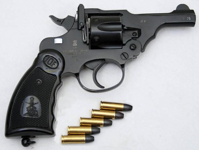 [Résolu] Revolver Smith & Wesson de série ou customisation ? Tumblr_m70o5iywjg1rsgt2ko1_1280