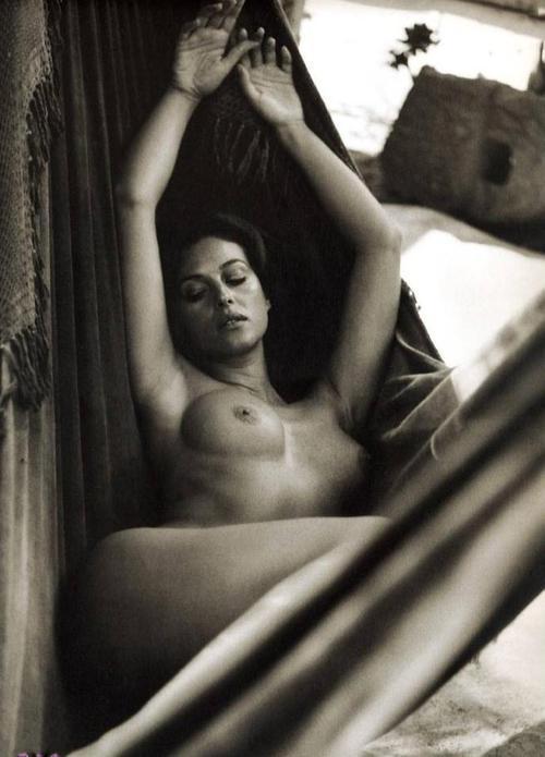 Monica Belucci  - Page 2 Tumblr_m782imib7Y1r5vwvko1_500