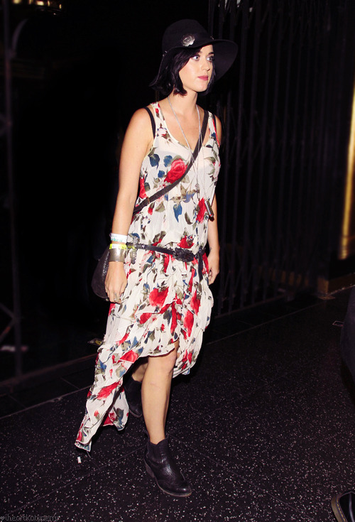 Katy Perry - Page 38 Tumblr_m7o8zluGCV1qzbagvo1_500