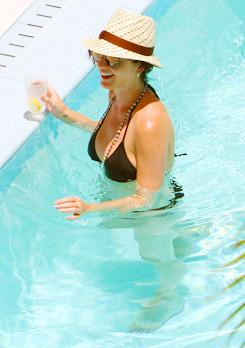 Katy Perry - Page 38 Tumblr_m7sic5O0gB1qzbagvo2_250