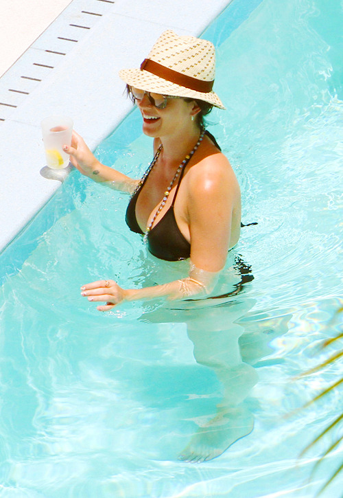 Katy Perry - Page 38 Tumblr_m7siiehrPA1qzbagvo1_500