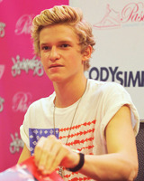 Cody Simpson.[2] - Page 40 Tumblr_m7x8ua3Y6D1qkblqao1_250