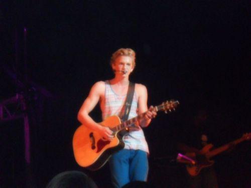 Cody Simpson.[2] - Page 39 Tumblr_m7xjhpsMS71qepj5ho1_500