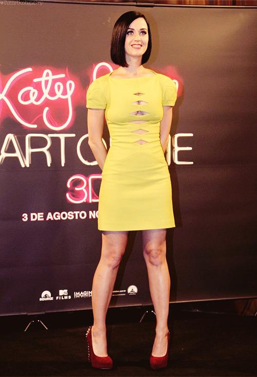 Katy Perry - Page 39 Tumblr_m8010xCFL31qzbagvo1_r1_500