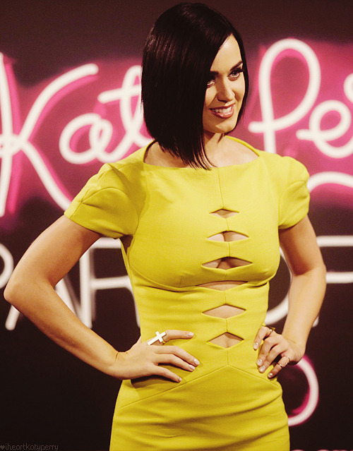 Katy Perry - Page 39 Tumblr_m80116kUcn1qzbagvo1_r1_500