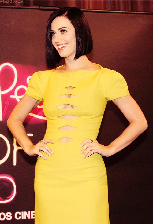 Katy Perry - Page 39 Tumblr_m8013w8zoQ1qzbagvo1_r1_500