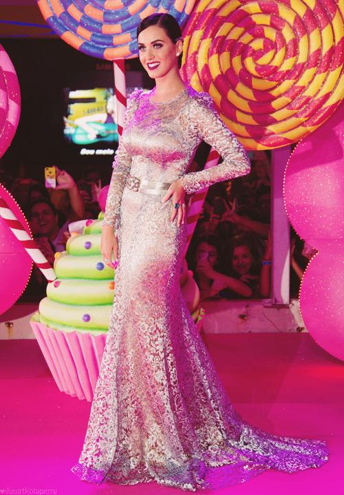 Katy Perry - Page 39 Tumblr_m81ac4RcZR1qzbagvo1_500