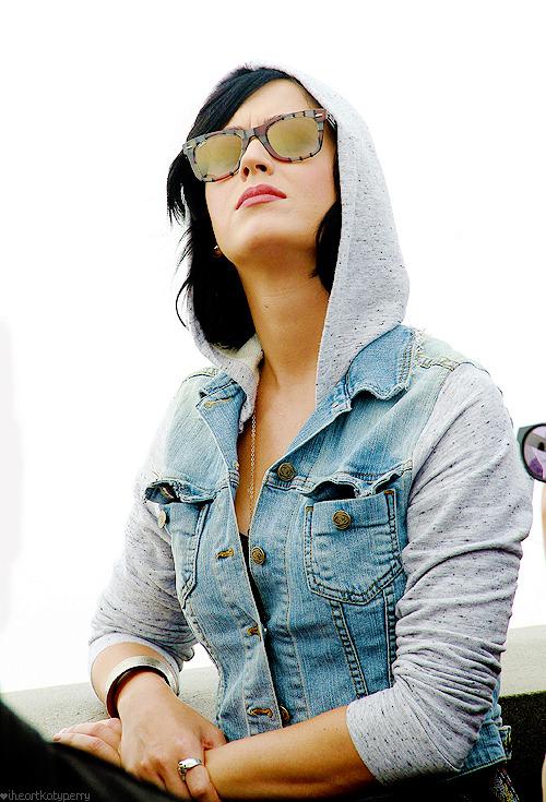 Katy Perry - Page 39 Tumblr_m858ybLz2U1qzbagvo1_500