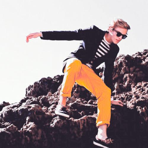 Cody Simpson.[2] - Page 6 Tumblr_m85h7vL8u41qjlolco1_500