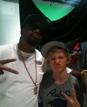 Cody Simpson.[2] - Page 6 Tumblr_m85hlzHqvN1r9jbn9o1_400