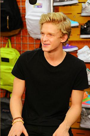 Cody Simpson.[2] - Page 3 Tumblr_m86oriNZG01qlm8ako1_400