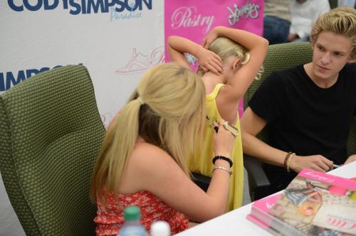 Cody Simpson.[2] Tumblr_m86ya5NrK91roq7yqo1_500