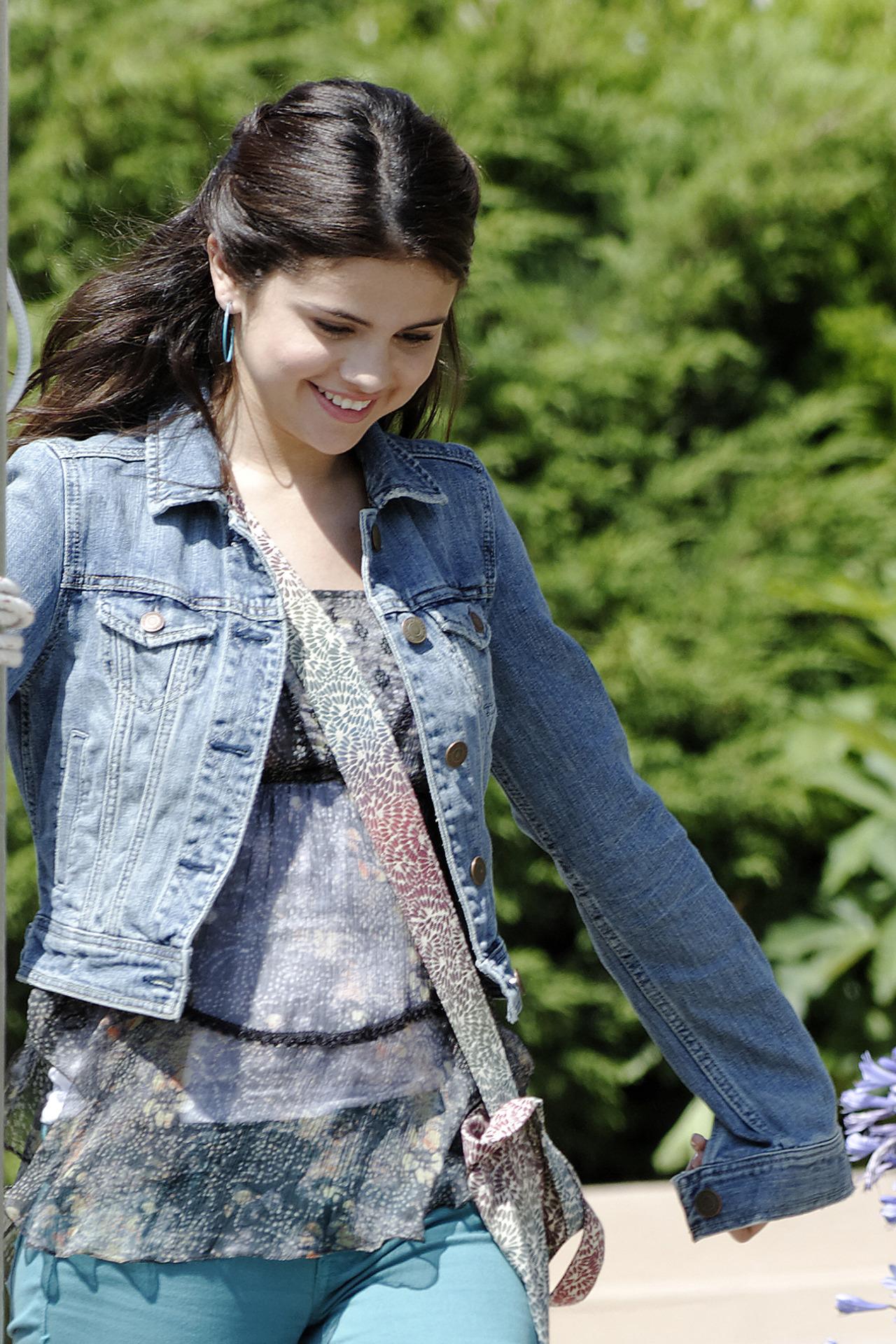 Selena Gomez[5] - Page 2 Tumblr_m88gz7rjAJ1rq31q9o6_1280