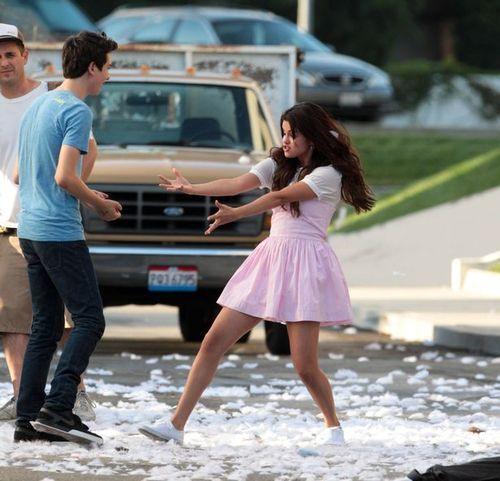 Selena Gomez[5] - Page 5 Tumblr_m8ls3pGchP1r6kur2o1_500