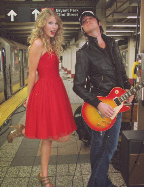 Taylor Swift - Page 37 Tumblr_mbvyammASt1rwiukvo1_500