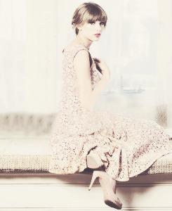 Taylor Swift - Page 37 Tumblr_mc90uceQOW1r6qdvpo1_250