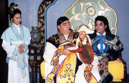 Michael Jackson Com Famosos Tumblr_mc9g590a8z1qieu4ko1_500