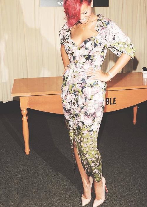 Rihanna. [2] - Page 2 Tumblr_mcdrwilhEZ1qgy8r3o1_500
