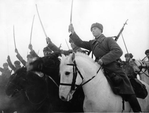 soldats soviétiques - Page 2 Tumblr_mcehn31FCt1qbsnsoo1_500