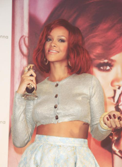 Rihanna. [2] - Page 3 Tumblr_mcelxmNQRs1r4d3dao1_500